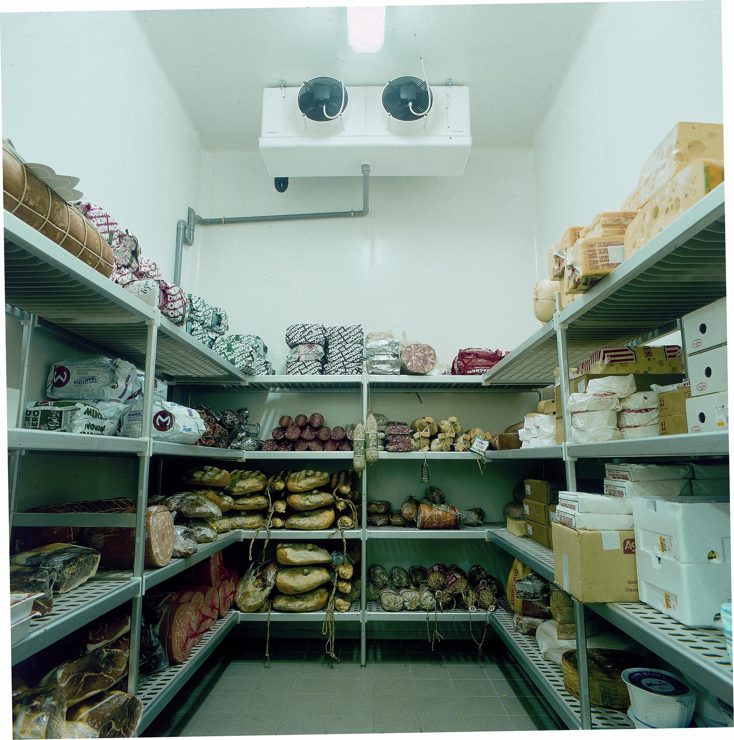 Стеллажи для холодильной камеры